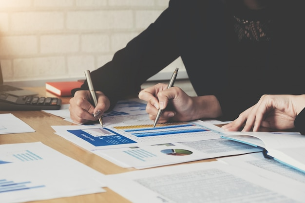 Business consulting of financiën budgetplan Premium Foto