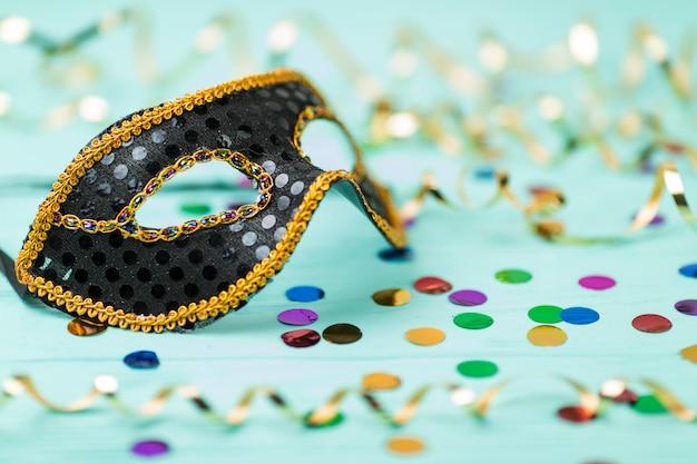 Carnaval-masker met decoratie Gratis Foto