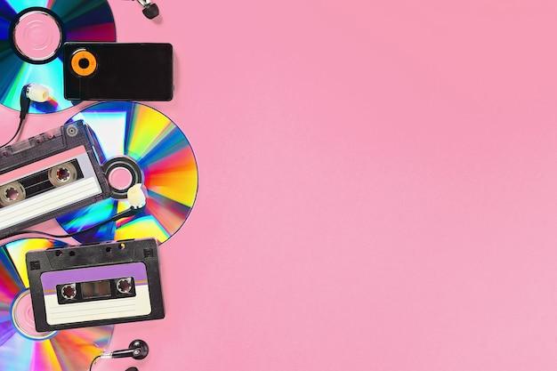 Cassette, cd-schijf, mp3-speler. Premium Foto