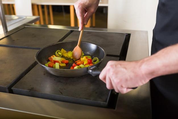 Chef-kok een recept koken Gratis Foto