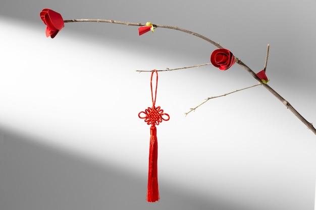 Chinees nieuwjaar 2021 bloem en rode decoratie Gratis Foto