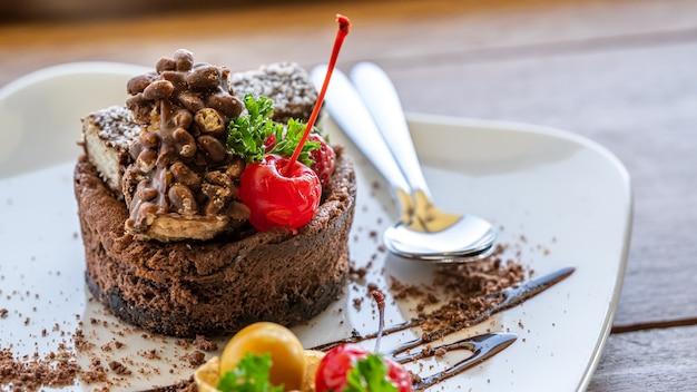 Chocolade cheesecake met crumble korst Premium Foto