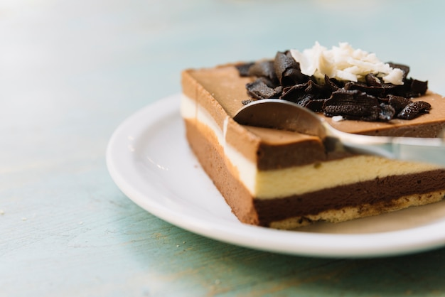Chocolate cake spoonful Gratis Foto