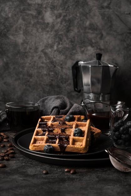 Close-up belgische wafel met bosbessen Gratis Foto