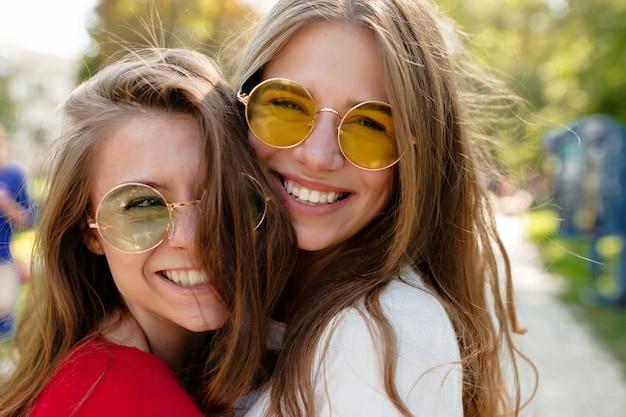 Twee beste vriendinnen