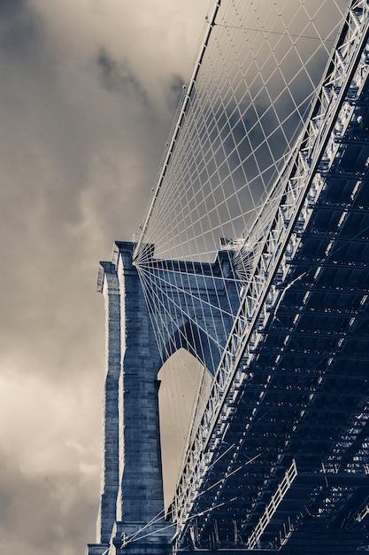 Close-up detailweergave bij brooklyn bridge, new york, Premium Foto
