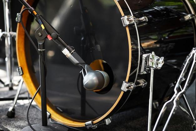 Close-up drum microfoon. drumstel. Premium Foto