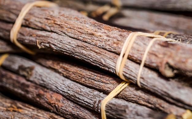 Close-up gestapelde kaneelstokjes Gratis Foto