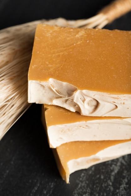 Close-up natuurlijke zeep van spikes Gratis Foto