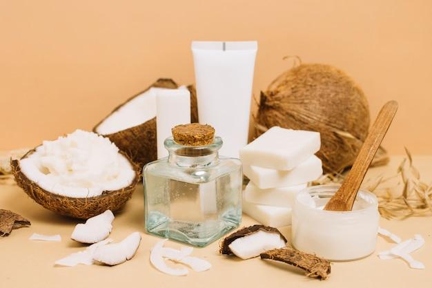 Close-up shot verscheidenheid van kokosproducten Gratis Foto