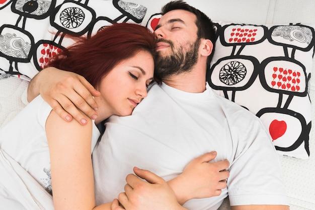 online dating samen slapen site-URI romanesti de dating