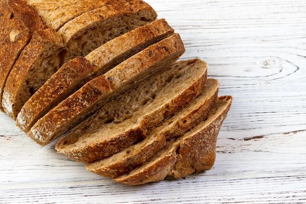 Close-up van gesneden brood Premium Foto