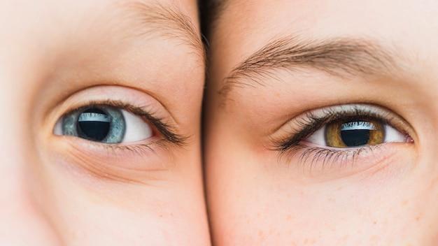 Close-up van gezichten van jongens Gratis Foto