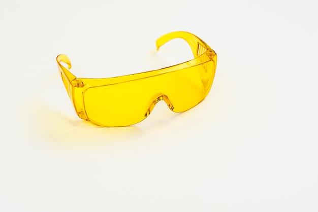Close-upbeschermingsbril voor bouwvakkers Gratis Foto