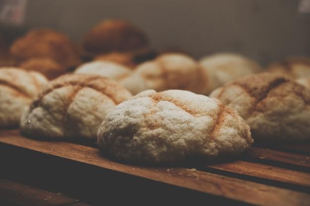 Close-upinzameling van broodbroodjes Gratis Foto