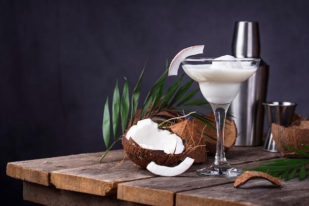 Coconut margarita-cocktail met ijs Premium Foto