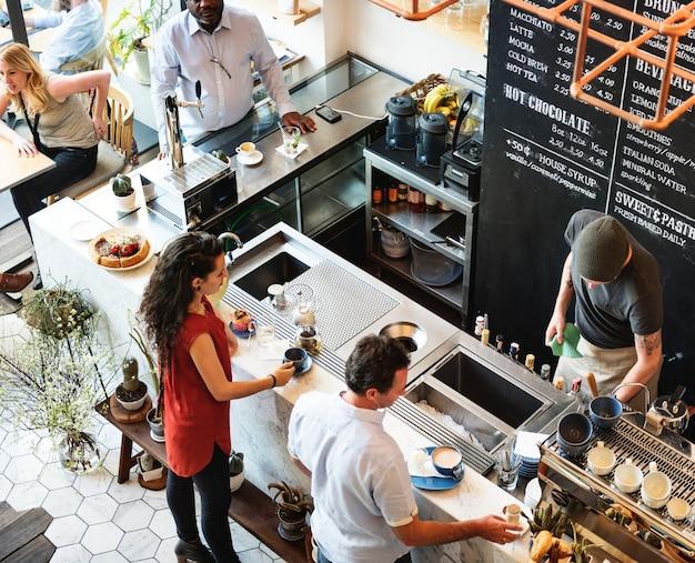Coffee shop bar teller cafe restaurant ontspanning concept Premium Foto