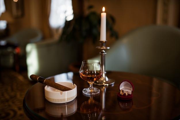Cognac en sigaar Premium Foto