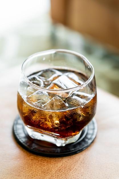 Cola met ijs Premium Foto
