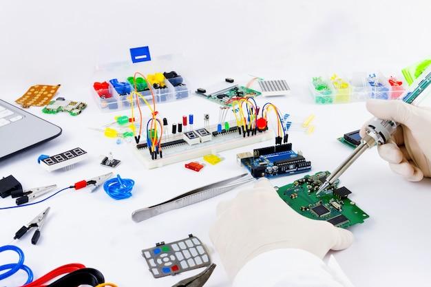 Computerprogrammering micro-elektronica Premium Foto