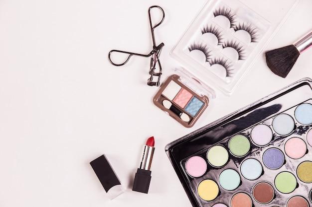 Cosmetische schoonheid make-up bovenaanzicht Gratis Foto
