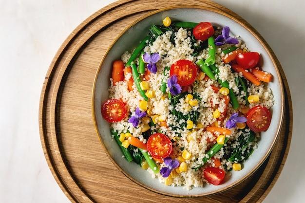 Couscous met groenten Premium Foto