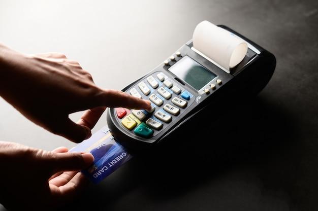 Creditcardbetaling, producten en service kopen en verkopen Gratis Foto