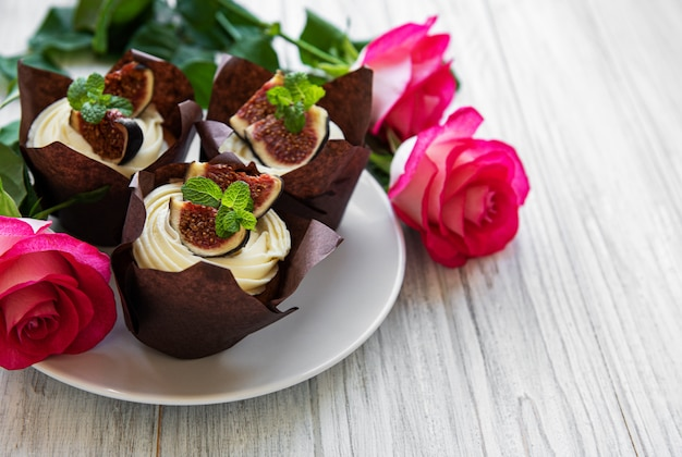 Cupcakes met vijgen Premium Foto