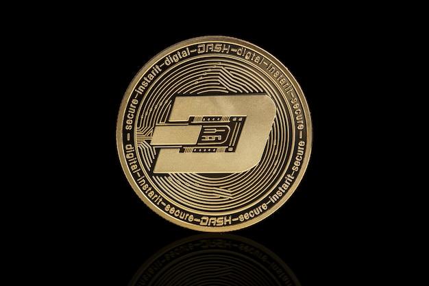Dash cryptocurrency-muntstuk op zwart Premium Foto