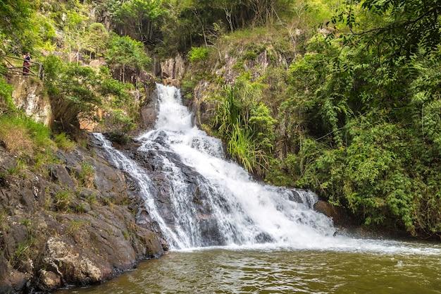 Datanla waterval in dalat, vietnam Premium Foto