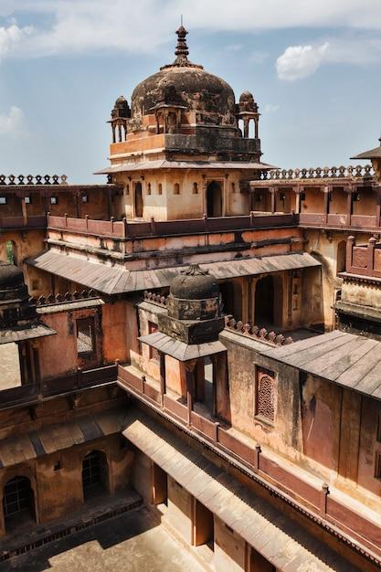 Datia-paleis in madhya pradesh, india Premium Foto