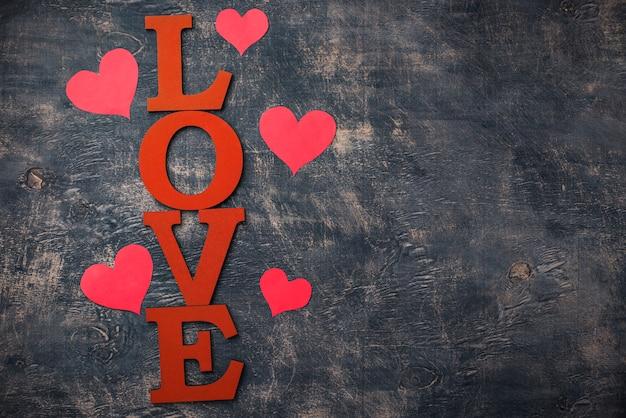 De achtergrond van de valentijnskaartendag met brievenliefde Premium Foto