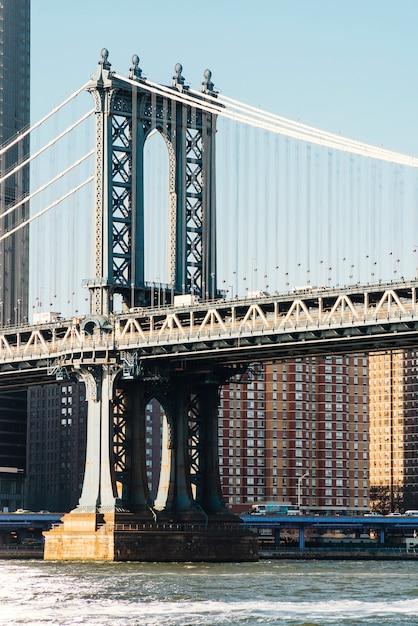 De brug van manhattan in new york bij zonsopgang Gratis Foto