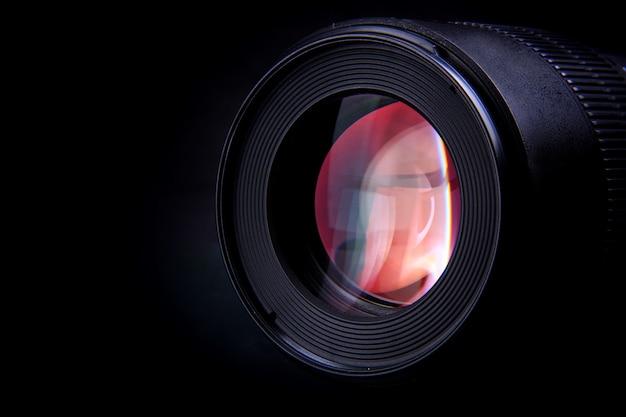 De cameralens van een fotografisch apparaat om speciale momenten vast te leggen Premium Foto