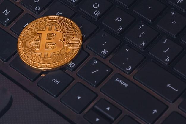 De close-up van bitcoin btc van muntstukcryptocurrency Premium Foto