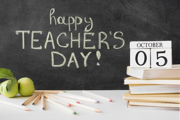 De dagboeken en appels van de gelukkige leraar Gratis Foto