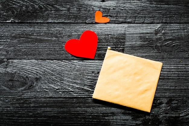 De envelop op valentijn Gratis Foto