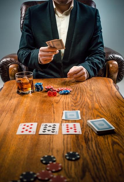 De fiches voor gokken, drinken en kaarten spelen Gratis Foto