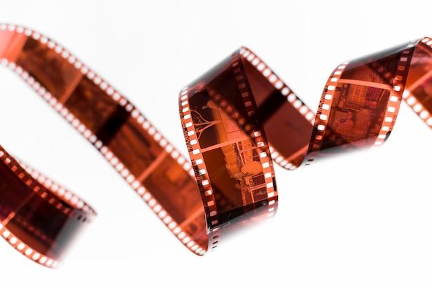 De film van wervelingsnegatieven op witte achtergrond wordt geïsoleerd die Gratis Foto
