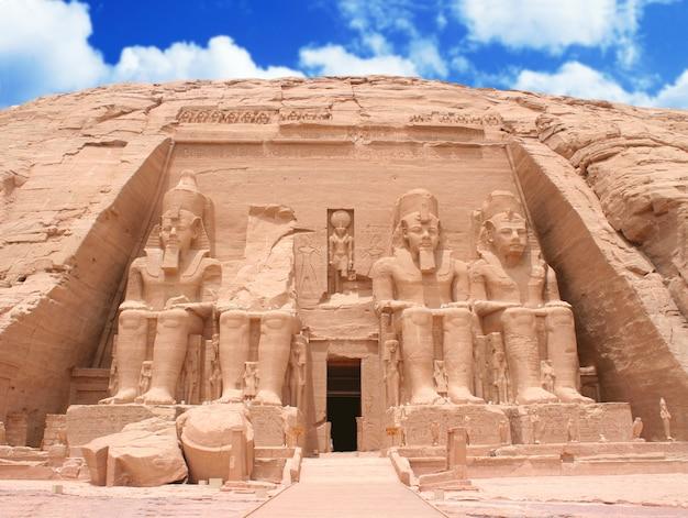 De grote tempel in abu simbel, egypte Premium Foto