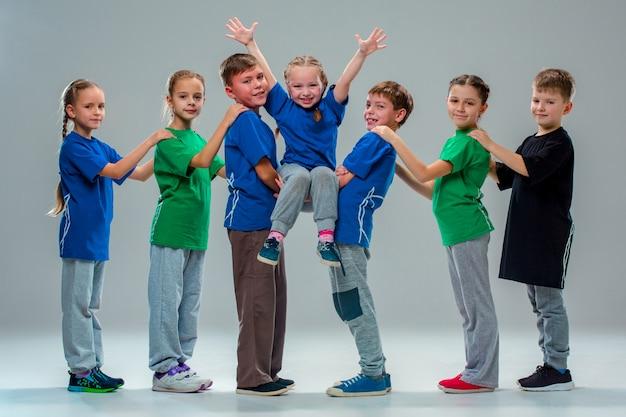 De kids dansschool, ballet, hiphop, street, funky en moderne dansers Gratis Foto