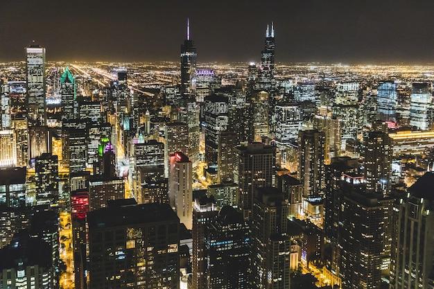 De luchtmening van chicago bij nacht Premium Foto