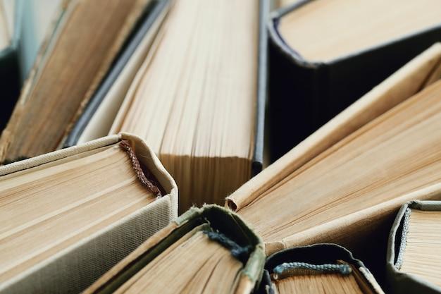 De samenstelling van boeken als achtergrond Gratis Foto