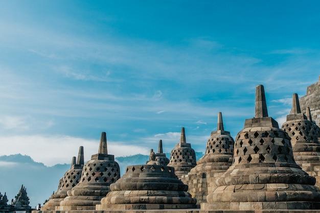 De schoonheid van de borobudur stupa wordt dichterbij gezien Premium Foto