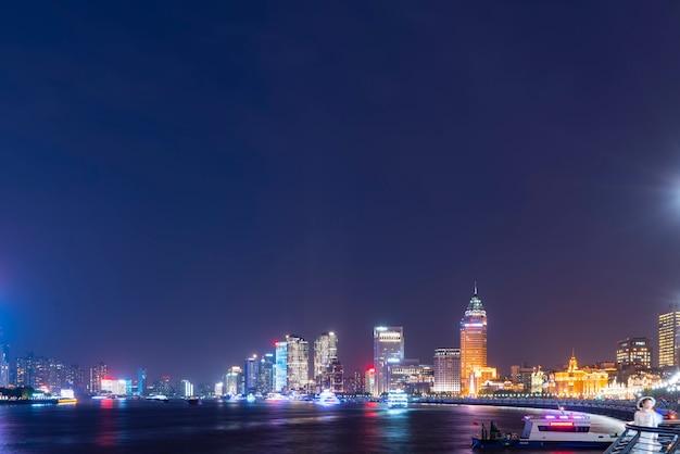 De skyline van stedelijke architectonisch landschap in lujiazui, shanghai Premium Foto