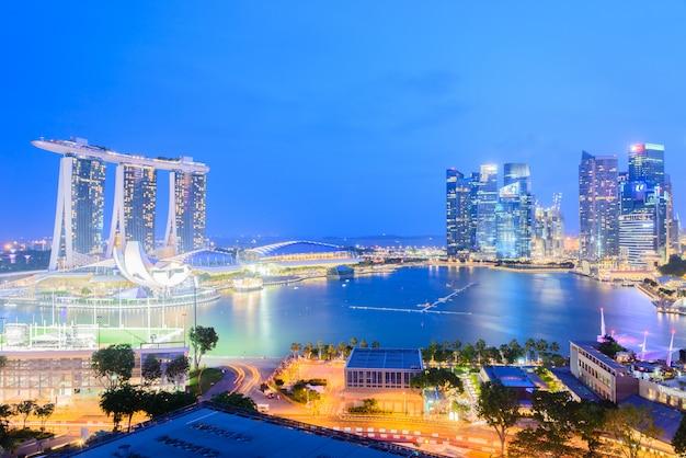De stad van singapore bij nacht Gratis Foto