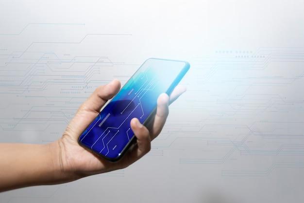 De technologie van de zakenmanhand met digitaal en sociaal media diagram op houten bureau Premium Foto