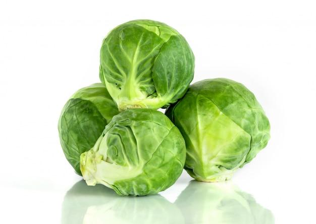 De verse groene spruitjesgroente Premium Foto