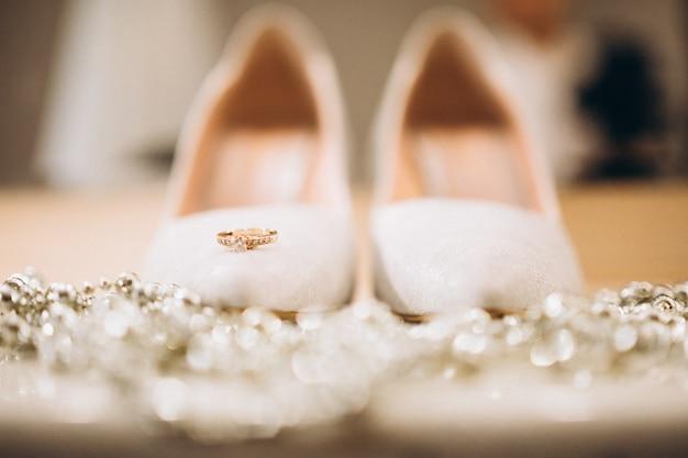 De voetslijtage van het huwelijk dicht omhoog Gratis Foto