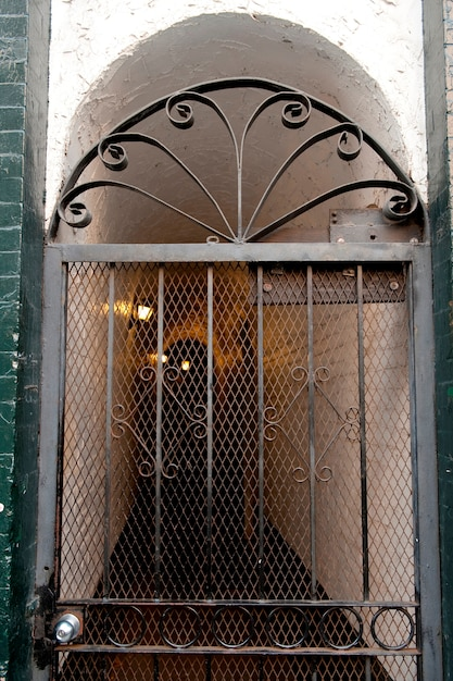 Decoratieve poort naar gebouw in boston, massachusetts, vs. Premium Foto